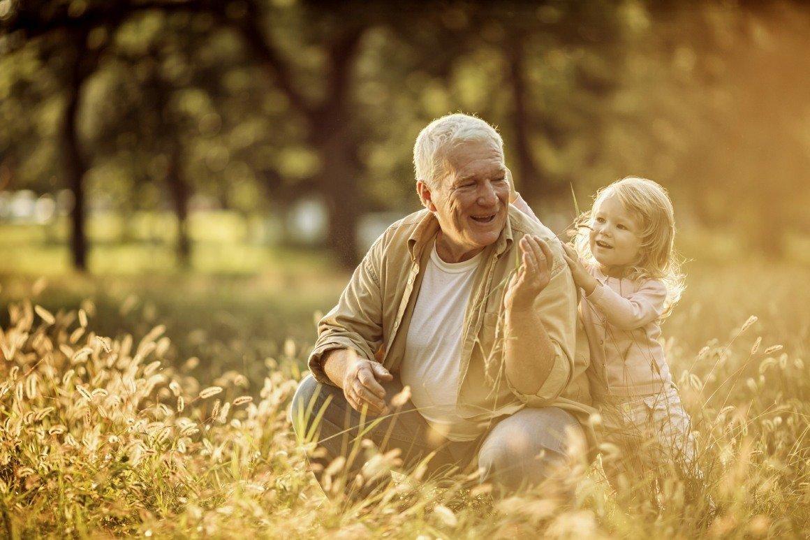 El Papel De Los Abuelos Con Sus Nietos